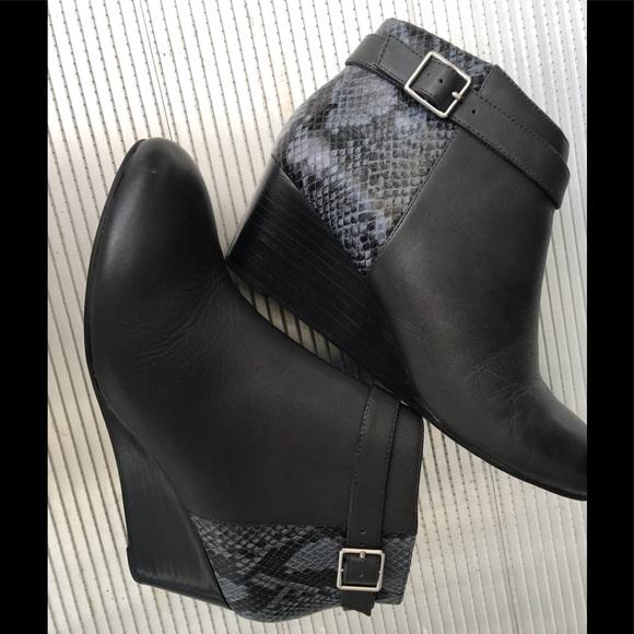 dcdaebf572a7 Vionic Women s Elevated Shasta Wedge Boot. M 5b4ddc993e0caaf381ca5339